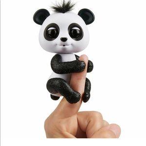 Fingerlings Interactive Baby Panda Drew